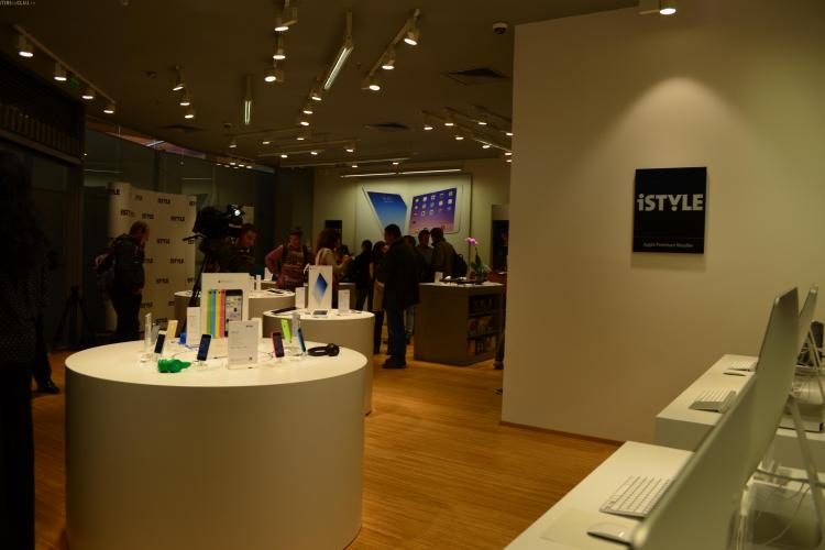 Cum arată iStyle, magazinul Apple deschis la Cluj, în Polus? La deschiderea oficială sunt REDUCERI - FOTO