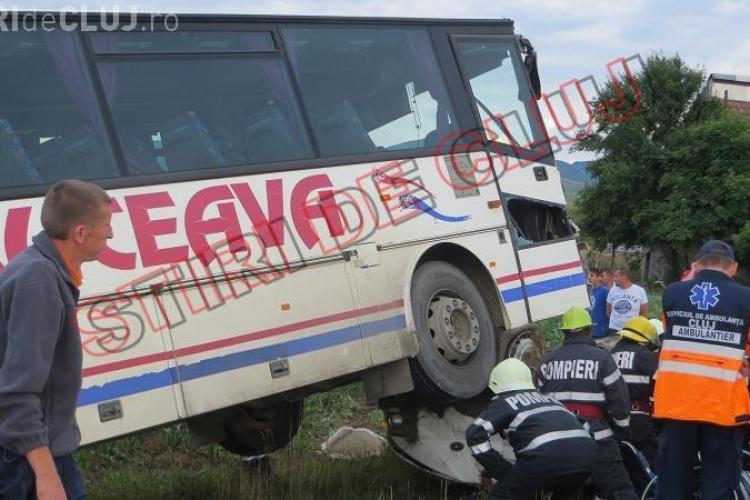 Accident la Gherla! Un autocar din SUCEAVA a SPULBERAT o autoutilitară. O femeie de 32 de ani a MURIT - FOTO