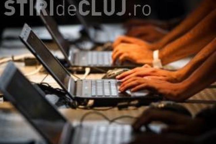 Clusterul IT din Cluj, ACUZAT că vrea să LIMITEZE salariile informaticienilor. Care este planul și care sunt RISCURILE?