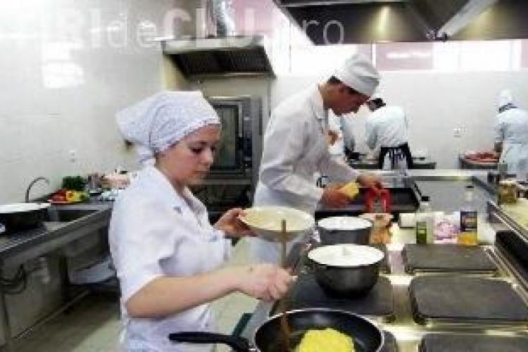 """Concurență la școlile profesionale din Cluj! Pe ce meserii este """"bătaie""""?"""