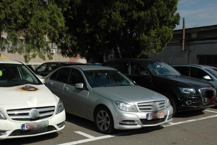 Traficanți de mașini de lux prinși la Cluj. Închiriau mașini din Italia și le vindeau în România VIDEO