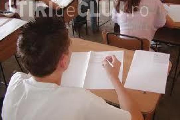 EVALUARE NAȚIONALĂ: Elevii clujeni, pe locul doi la numărul mediilor de 10