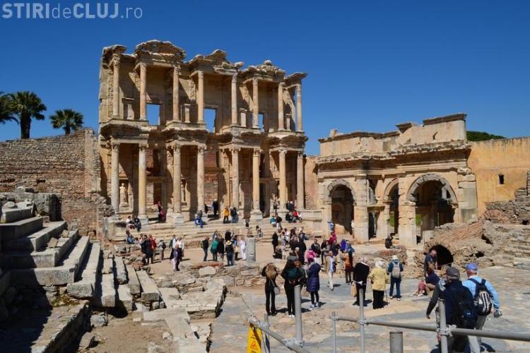Vacanță la KUSADASI! Stațiunea vă deschide poarta spre minunatele orașe antice EFES, PRIENE, MILET și DIDIM - FOTO