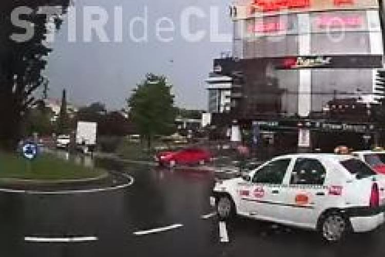 Utilizatorii trafictube.ro ȘOCAȚI de cum conduce un clujean cu camera pe bord - VIDEO