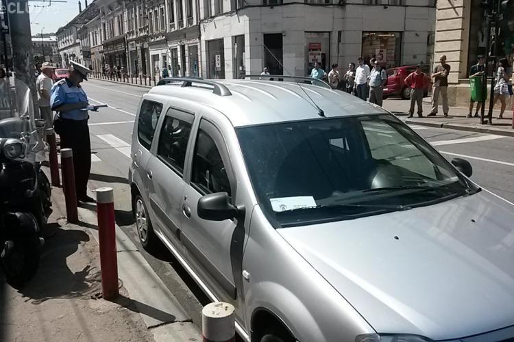 Fă ce zice popa, dar nu-ți parca mașina ca popa! Amendă pe mașina Mitropoliei Clujului - FOTO