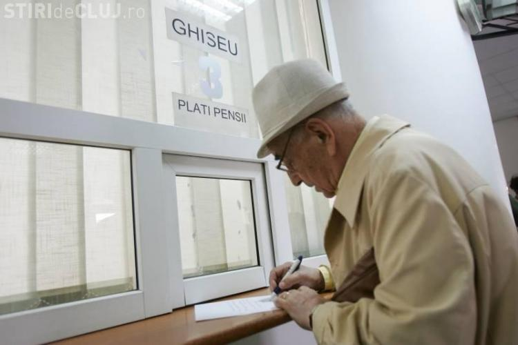 Numărul pensionarilor din România se află în scădere, însă valoarea pensiilor a crescut