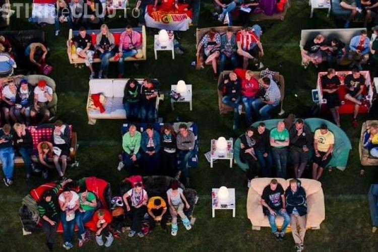IMAGINEA ZILEI: Un stadion din Germania a fost transformat într-o sufragerie uriașă pentru Campionatul Mondial FOTO