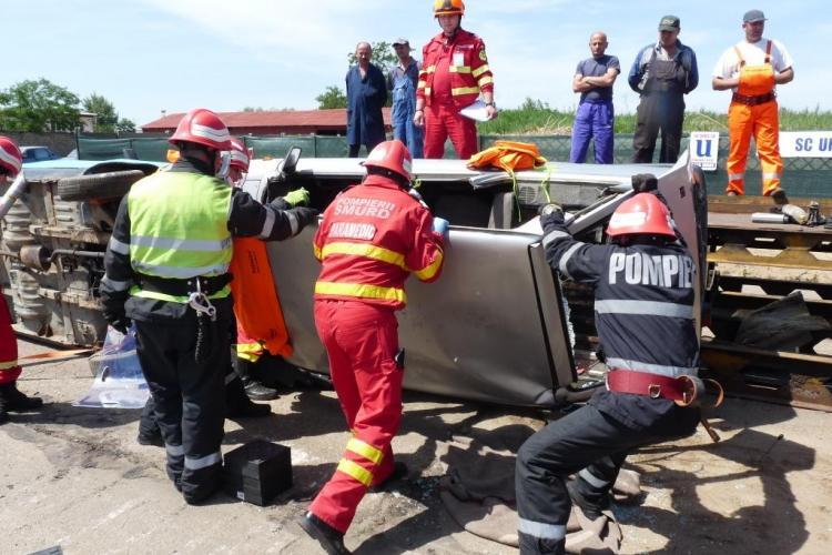 Pompierii clujeni, campioni la descarcerare şi acordarea primului ajutor