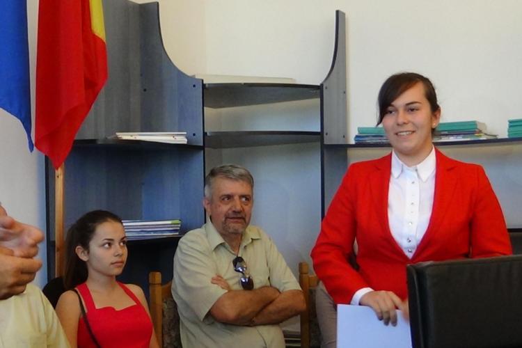 Fata cu zece la BAC de la Huedin merge la Facultatea de Drept din Cluj: Se poate învăța carte la orice liceu! - VIDEO