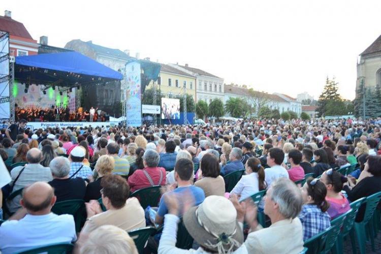 Spectacol de Verdi, în AER LIBER, în Piața Unirii