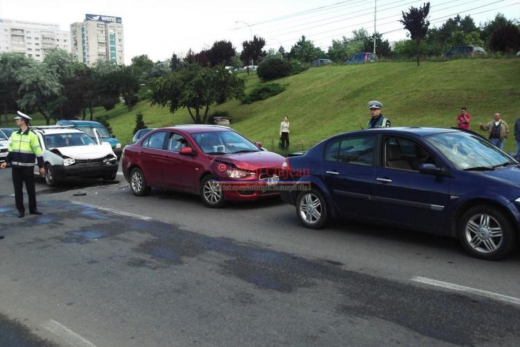 Accident în lanț lângă Polus Center - FOTO