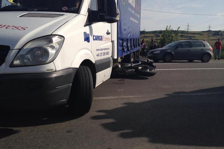 Accident în Florești! O motociclistă a intrat sub un camion - FOTO