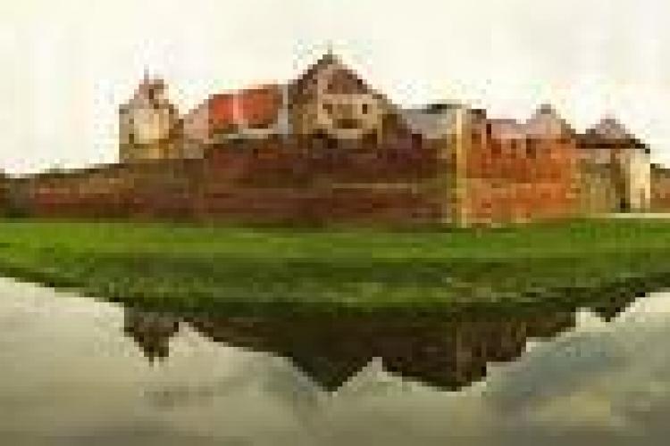 O cetate din România, clasată în TOP 3 cele mai interesante castele din lume
