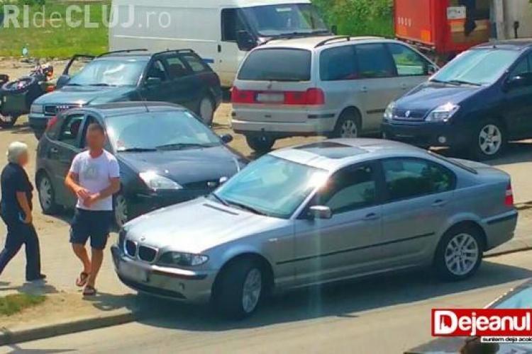 Cum se blochează o întreagă parcare cu BMW-ul la Dej FOTO