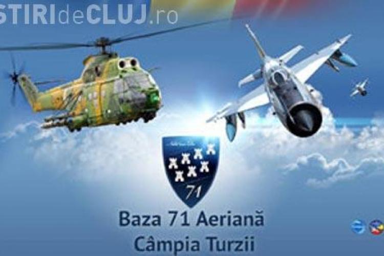 Demonstrații AERIENE la Câmpia Turzii de Ziua Aviaţiei Române şi a Forţelor Aeriene