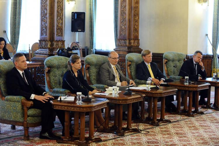 Bancherii s-au întâlnit cu Băsescu pe tema reducerii CAS. De ce sunt îngrijorați? - FOTO