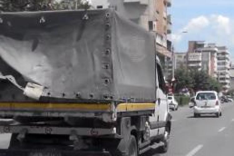Șicanare în traficul clujean în angajații unei instituții publice și o mașină de la RDS! S-a lăsat cu PLÂNGERI? - VIDEO