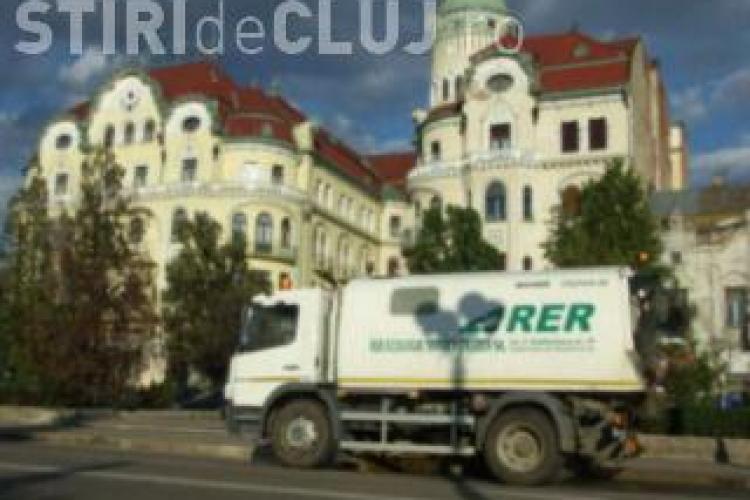 Licitația pentru salubrizarea stradală și deszăpezire din Cluj-Napoca este CONTESTATĂ. Care sunt motivele?