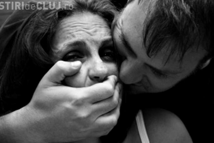 VIOLATOR arestat la Cluj. A forțat o tânără de 18 ani să întrețină relații sexuale cu el apoi a tâlhărit-o
