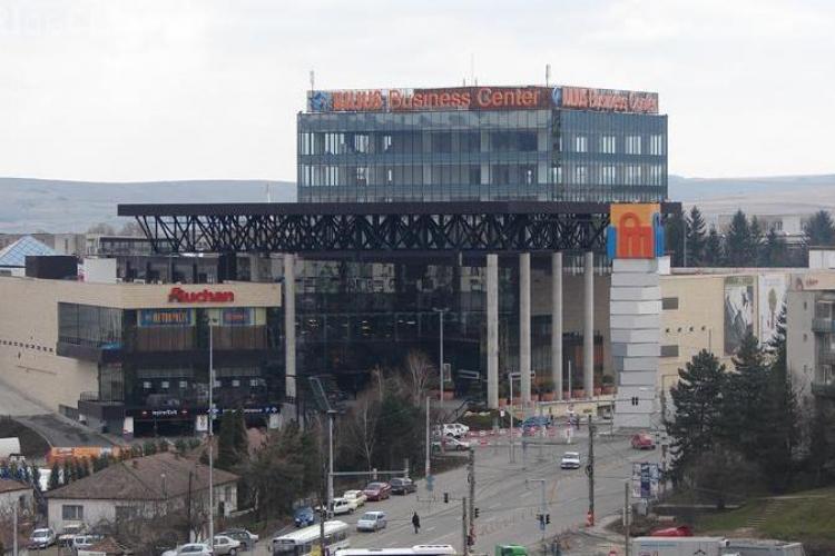Turnul de lângă Iulius Mall aduce un profit BAROSAN, dar Consiliului Județean Cluj ia mărunțișul! Dascălu e deștept