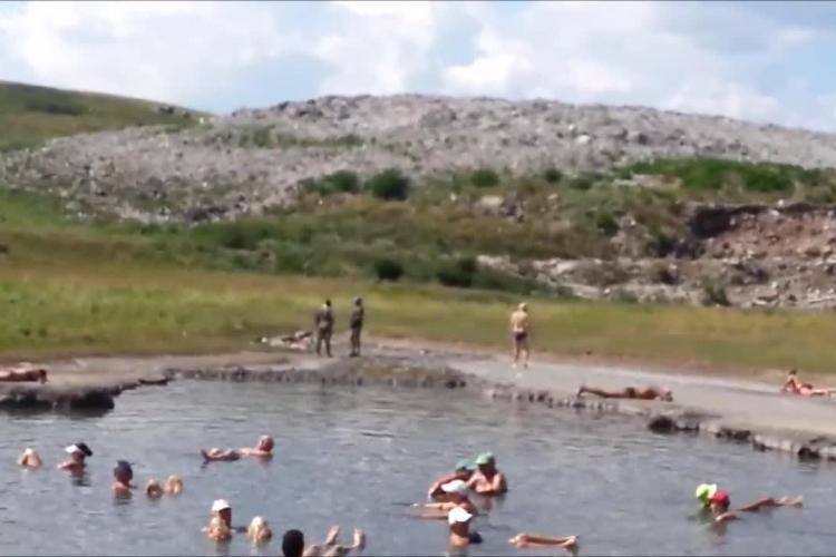 Lacul de la Pata Rât atrage zilnic zeci de clujeni: Ne vindecă de boli - VIDEO