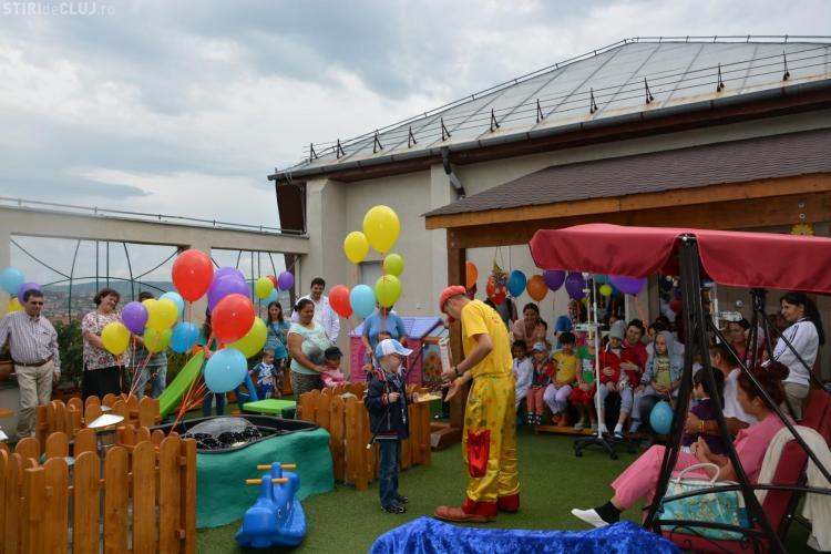 Donație surpriză la Spitalul de Pediatrie 2 Cluj. A fost reamenajată ca loc de joacă o terasă ponosită - FOTO