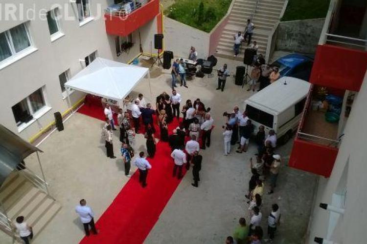 """Cea mai tare nuntă din Florești! Au aruncat cu euro: """"pentru primar"""" și """"pentru poliție"""" - VIDEO"""