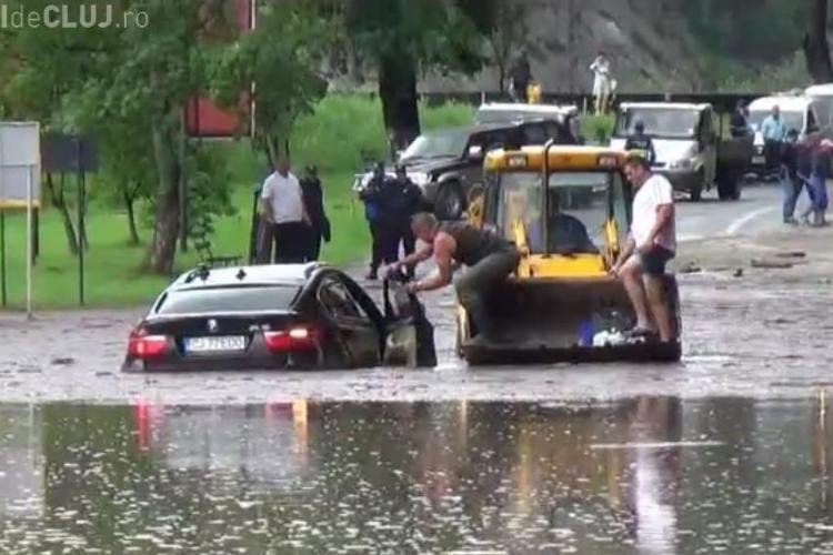 """BMW -ul X6 """"înecat"""" la inundații aparține lui Cristian Matei, șeful PSD Turda - FOTO"""