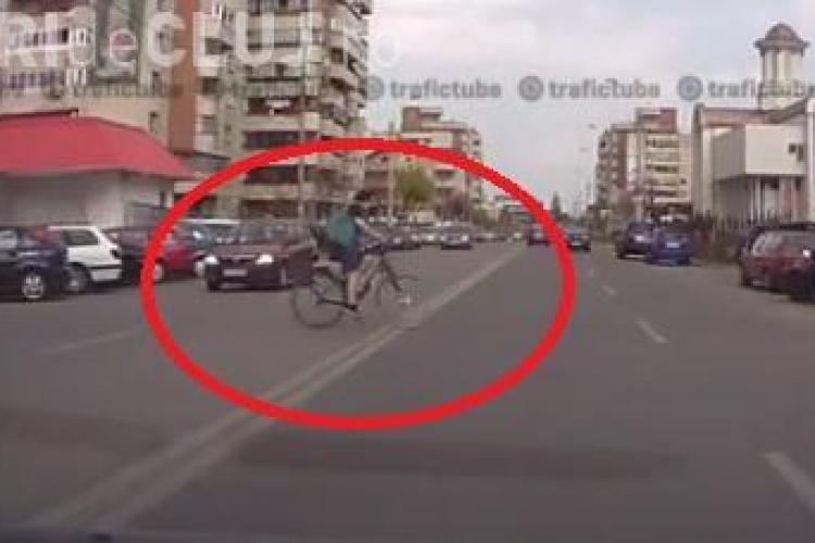 Bicicliștii clujeni sunt un pericol pe străzi. VEZI câteva scene filmate în trafic - VIDEO