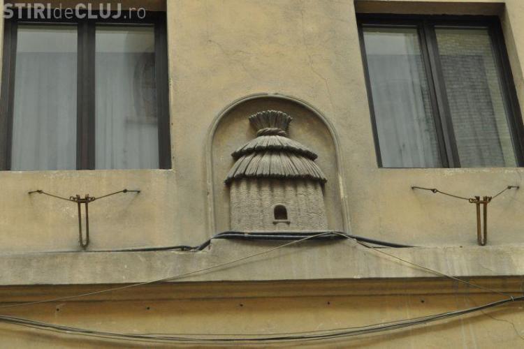 Povestea casei din Cluj cu simbolul STUPULUI. E unică în oraș - FOTO