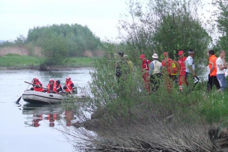 Drama pe un lac de agrement din Cluj! Familia este DISPERATĂ