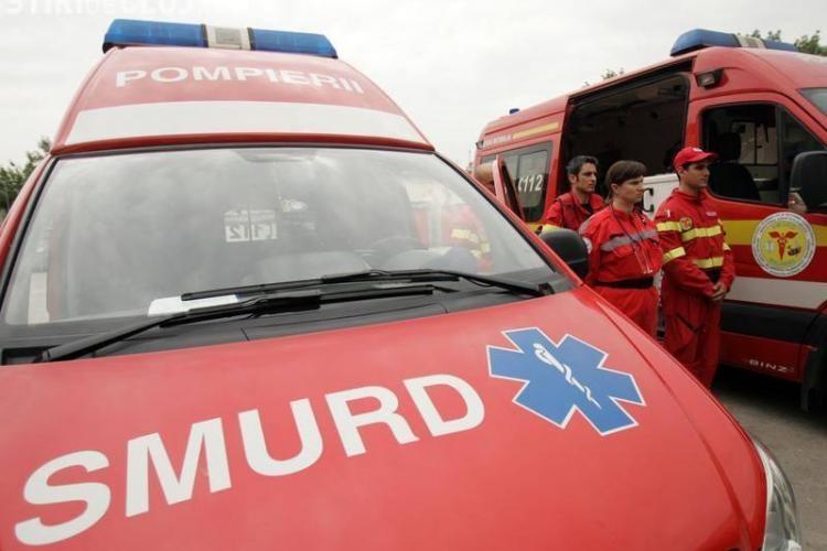 Trei persoane rănite grav într-un accident în Feleacu! Un șofer a întors mașina fără să se asigure