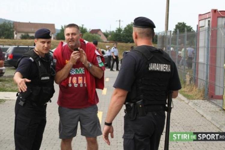 """Suporter amendat pentru că purta tricou cu CFR Cluj la meciul dintre """"U"""" și Târgu Mureș"""