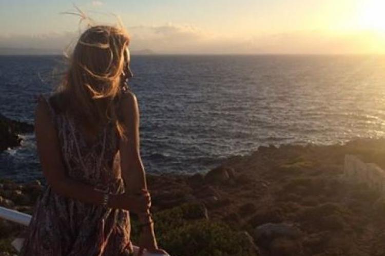 Simona Gherghe apreciză luxul. S-a dus într-o vacanță de vis, în Grecia, cu prietenii - FOTO