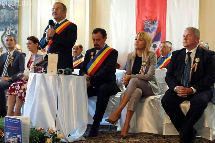 Boc e la Turda și îi face campanie Elenei Udrea. Ce spun despre plecarea lui Boc din PDL?