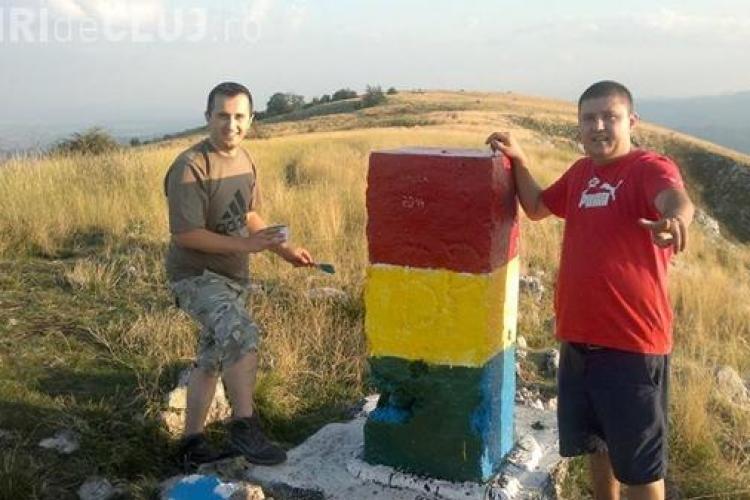 Doi clujeni au revopsit în tricolor bornele pictate în culorile steagului Ungariei - FOTO