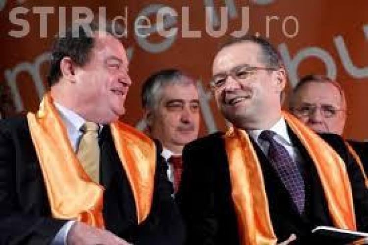 """Blaga îl invită pe Emil Boc să își dea demisia dacă """"se simte atras de un alt partid"""""""