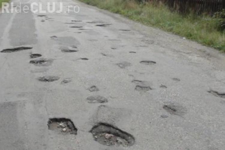 Au început lucrările de reabilitare a drumului de la Valea Ierii. Vezi în ce hal arată acum FOTO