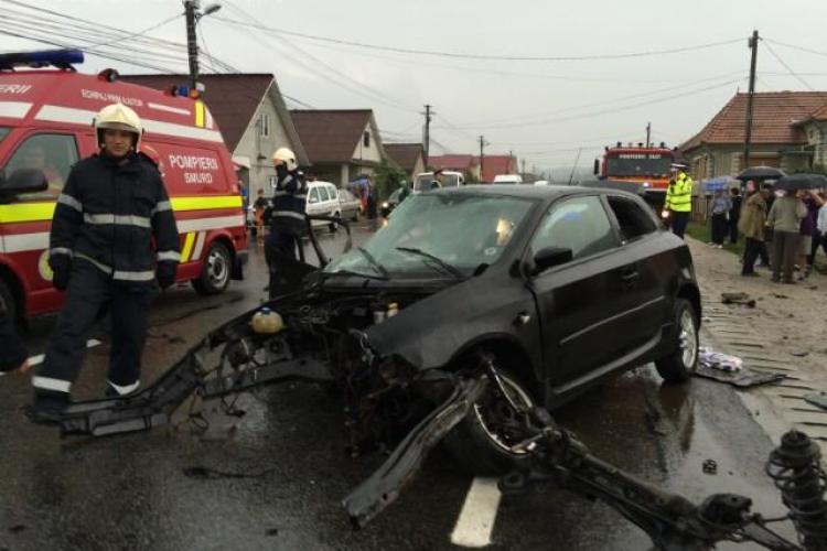 Accident GROAZNIC la Cluj! I-a zburat motorul în urma impactului. Poliția a avut probleme cu ȘOFERUL - VIDEO