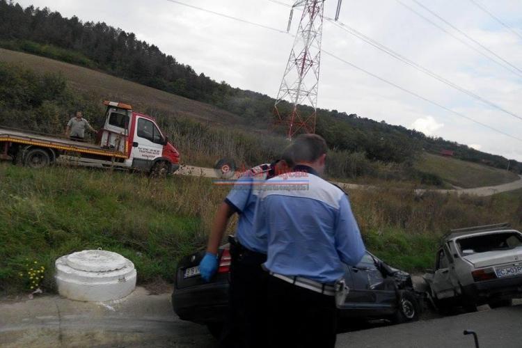 Accident lângă Emerson. Două autoturisme au ajuns în șanț din cauza unui șofer de 75 de ani - FOTO