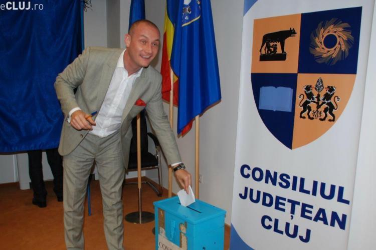 Prefectul Gheorghe Vușcan l-a demis pe Seplecan și a plecat în concediu
