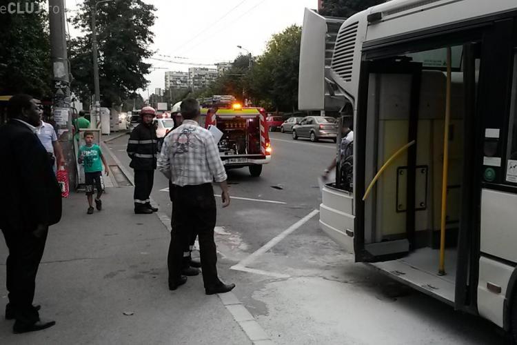 Un autobuz a luat foc în Gheorgheni. Șoferul se certa cu pasagerii - FOTO