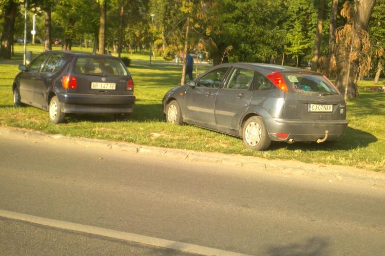 Parcarea subterană a Cluj-Arena stă nefolosită, iar Parcul Central s-a transformat în parcare