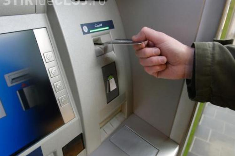 Romanii cu credite fac strategii pe internet. 8.500 de membri numara grupurile anti-banci