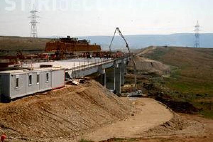 Autostrada Transilvania, pazita cu oameni platiti la negru. 50 de agenti lucrau fara carti de munca
