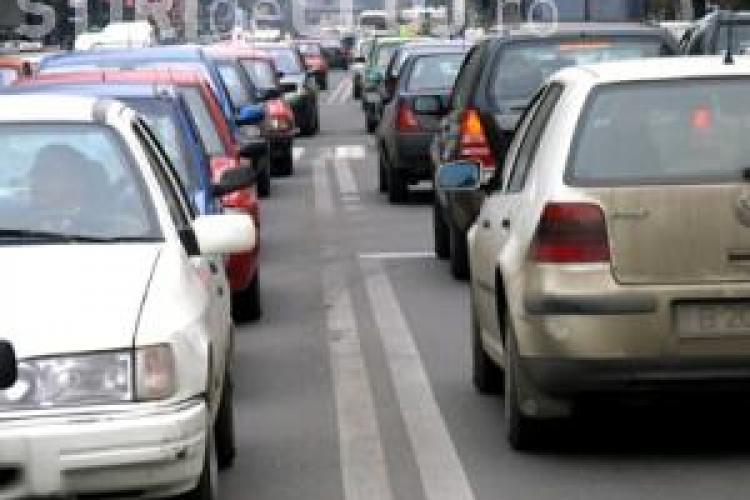RAR trage un semnal de alarma: 15% dintre masinile verificate in 2010 prezinta risc iminent de accident