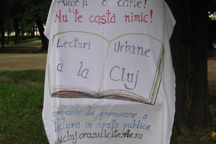 """""""Lecturi urbane"""" reloaded! Vineri, in parcul Detunata va fi iaugurata zona de lectura, dar se va citi si in autobuze"""