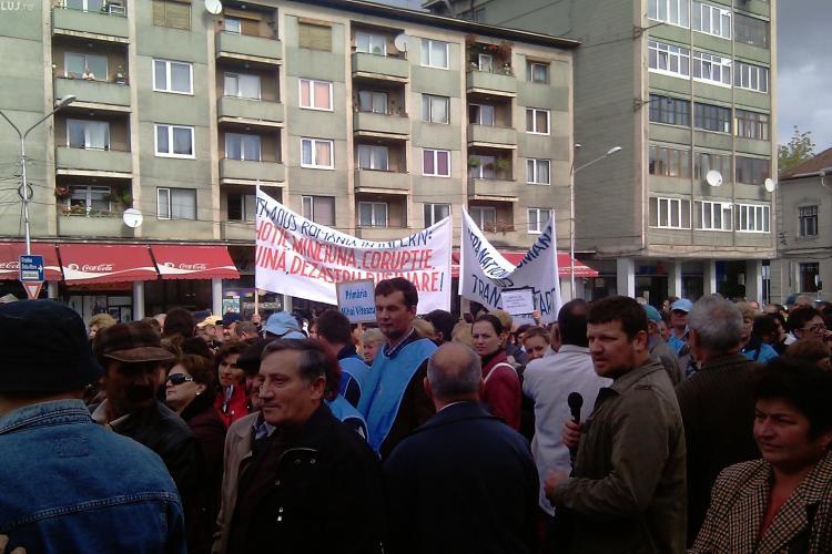 Peste 500 de sindicalisti de la Cartel Alfa au protestat in Piata Lucian Blaga din Cluj-Napoca VIDEO