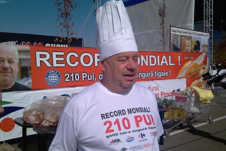 210 pui prajiti pentru un Record Mondial, la Campionatul International de Gatit in Aer Liber de la Cluj! VEZI AICI cum arata tigaia gigant! GALERIE FOTO