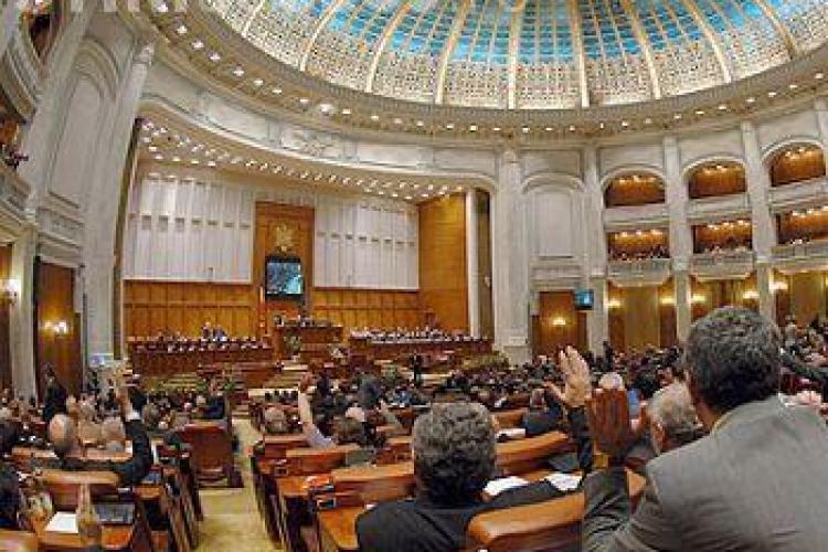 Salariile celor 10 deputati de Cluj ne-au costat in iunie 12.000 de euro. Stiri de Cluj a calculat cat ne costa parlamentarii!